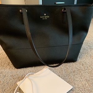 Kate Spade Everpurse with charger for iPhone